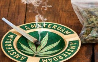 amsterdam-bike-tour-coffeeshop-tour-astray-spliff