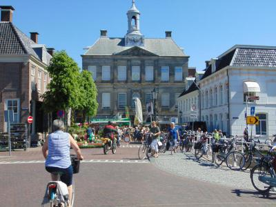 amsterdam-castle-tour-city-counsil-weesp