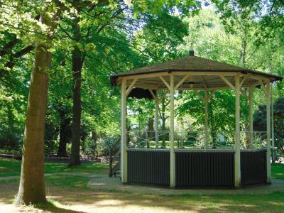 amsterdam-castle-tour-music-chapel-muidenberg